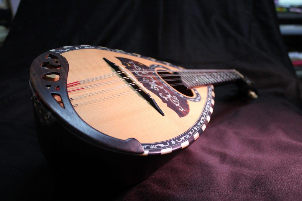 mandolin-977648_1920